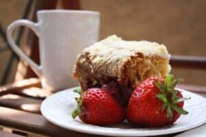 coffee-cake-strawbs